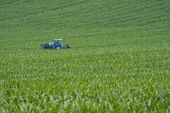 голубой трактор Стоковые Фото
