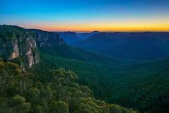 Голубой час на бдительности перескакивания govetts, голубые горы, Австралия 13 стоковые изображения rf