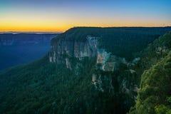 Голубой час на бдительности перескакивания govetts, голубые горы, Австралия 18 стоковое фото rf