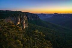 Голубой час на бдительности перескакивания govetts, голубые горы, Австралия 34 стоковая фотография rf