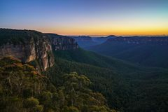 Голубой час на бдительности перескакивания govetts, голубые горы, Австралия 38 стоковые фотографии rf