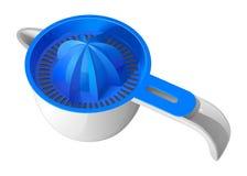 Голубой juicer цитруса руки при белый пластичный изолированный шар Стоковая Фотография RF