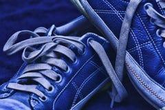 голубые ботинки Стоковые Фото