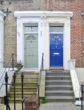 Голубые и серые двери стоковое изображение