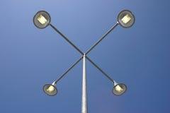 голубые небеса lamppost вниз Стоковые Фото