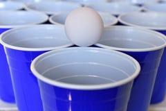 Голубые пластичные выпивая чашки Стоковые Изображения RF