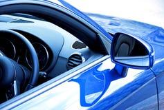 голубые спорты автомобиля стоковое изображение