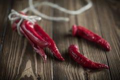 голубые чили пылают горячий излишек красный цвет перца Стоковые Изображения