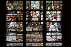 Голубь, символ мира, появляется на комод Св.а Франциск Св. Франциск de Продажи стоковые изображения