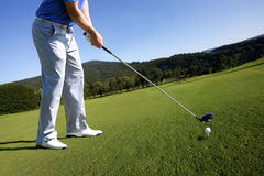 гольф играя женщину Стоковые Фото