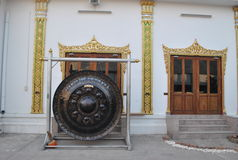 Гонг в nonthaburi Таиланде wat виска buakwan Стоковое Изображение RF