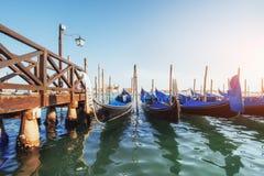 Гондолы на грандиозном канале в Венеции, церков Сан Giorgio Maggiore marco san Стоковое Фото