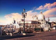 Гондолы на грандиозном канале в Венеции, церков Сан Giorgio Maggiore marco san Стоковое фото RF