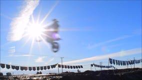 Гонка велосипеда грязи видеоматериал