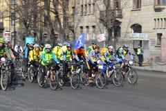 Гонка велосипеда на улице Санкт-Петербурга Стоковое Изображение
