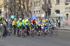 Гонка велосипеда на улице Санкт-Петербурга Стоковые Изображения RF