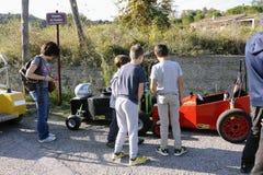 Гонка импровизированной трибуны организованная в деревне Tornac Стоковые Изображения RF