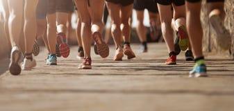 Гонка марафона идущая стоковое изображение rf