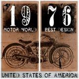 Гонка мотоцилк тройника винтажная | Чертеж руки | Печатание футболки | B Стоковые Изображения RF