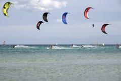 гонка kitesurf Стоковое Изображение