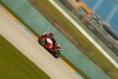гонка moto Стоковые Фотографии RF