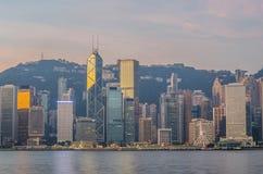 Гонконг Китай от стороны Kowloon поперек от гавани Виктора Стоковое Фото