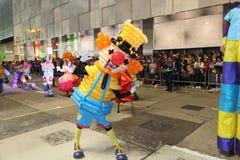 Гонконг: Международный китайский парад 2014 ночи Нового Года Стоковое Фото