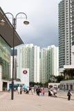 Жизнь города против небоскребов в Гонконге Стоковое Изображение RF