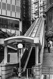 ГОНКОНГ, CHINA/ASIA - 27-ОЕ ФЕВРАЛЯ: Эскалатор в Гонконге на Fe стоковые фото
