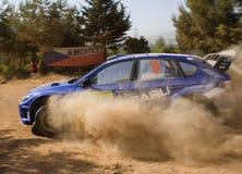 Гоночная машина на следе грязи Стоковое фото RF