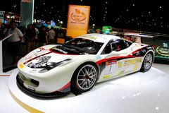 Гоночный автомобиль спорта Феррари на дисплее Стоковое Изображение RF