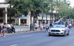 Гонолулу, Гаваи, США - 30-ое мая 2016: Парад Дня памяти погибших в войнах Waikiki Стоковое Фото