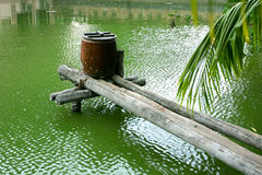 гончарня опарника моста деревянная Стоковые Изображения