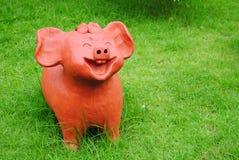 Гончарня свиньи улыбки Стоковые Фотографии RF