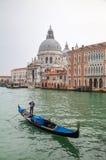 Гондола на грандиозном канале перед Di Santa Maria базилики Стоковая Фотография RF