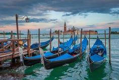Гондолы на грандиозном канале, Венеции, Италии Стоковое Фото