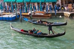 Гондолы на грандиозном канале, Венеции Стоковые Фото