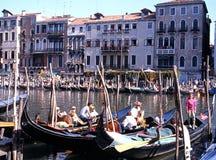 Гондолы на грандиозном канале, Венеция Стоковые Изображения