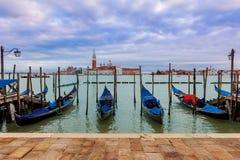 Гондолы на грандиозном канале в Венеции. Стоковое Изображение RF