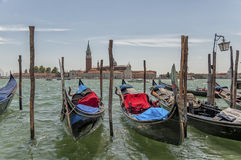 Гондолы на грандиозном канале и Сан Giorgio Maggiore Стоковое Изображение RF