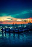 Гондолы на заходе солнца в Венеции, Италии Стоковая Фотография RF