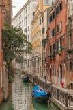 Гондолы на канале, Венеции Стоковые Изображения