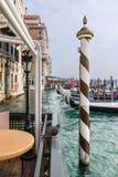 Гондолы на канале в Венеции Стоковая Фотография