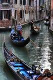 Гондолы на канале в Венеции, Стоковая Фотография