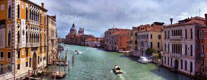 Гондолы на канале в Венеции, Стоковые Изображения RF