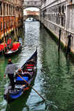 Гондолы на канале в Венеции, Стоковое Изображение