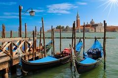 2 гондолы на канале Сан Marco в Венеции Стоковые Фотографии RF