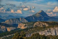 Гора Альпов в пейзаже лета Стоковые Фото