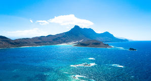 Гора в море Стоковое Изображение