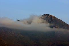 Гора в облаках Стоковое Изображение